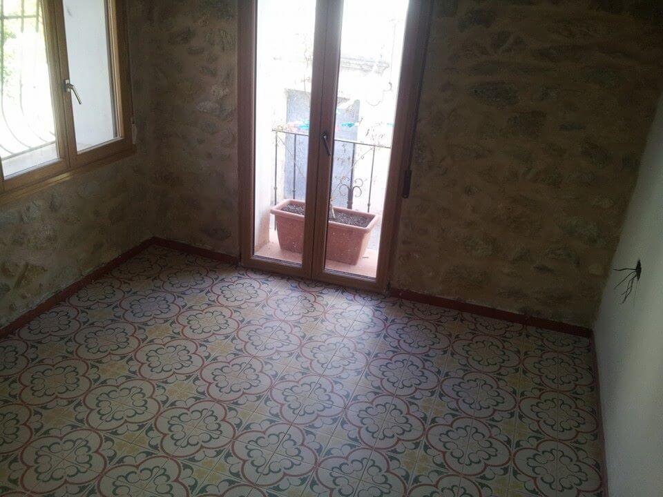 Azulejos y suelos hidr ulicos de imitaci n la gu a completa for Azulejo para pared de sala