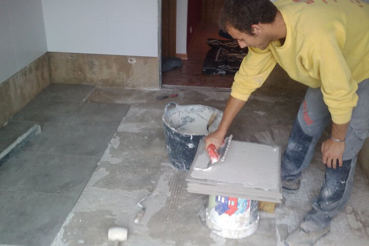 Tipos de cemento cola m s utilizados en obras y reformas for Mortero para juntas exterior