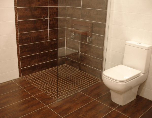 Duchas de obra la ducha a tu medida for Azulejos suelo bano