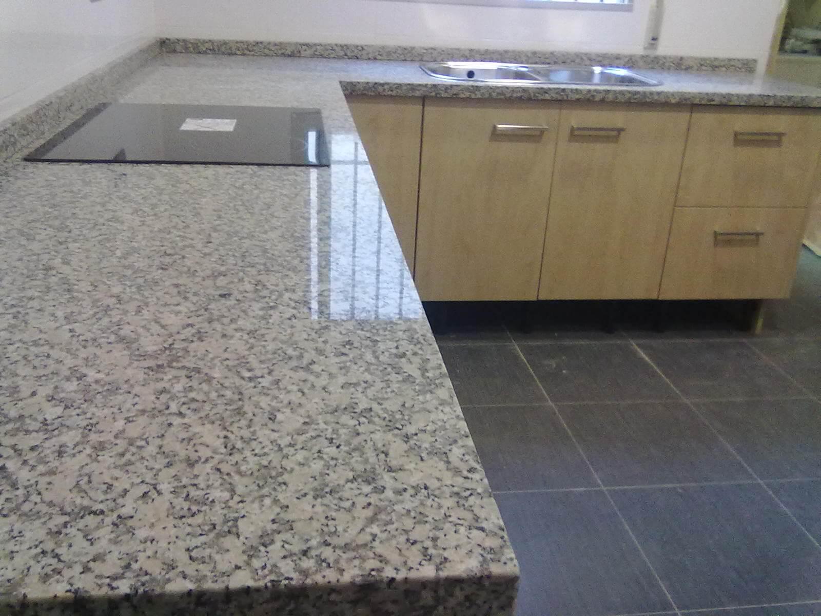 Encimeras de granito como elegir la encimera perfecta for Encimeras de granito nacional