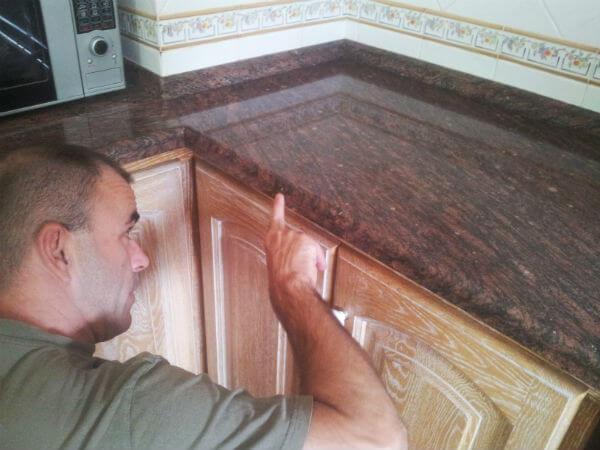 Que encimera elegir para una cocina diferentes tipos y for Precio metro lineal encimera granito