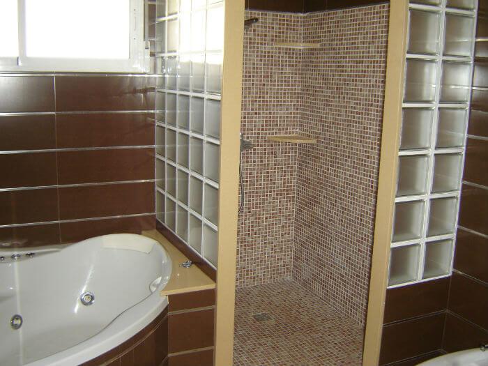 Gresite para duchas combinado con Cristal Paves