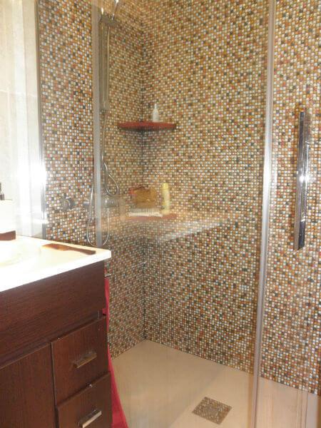 Gresite para duchas porque elegir este revestimiento para for Duchas modernas precios