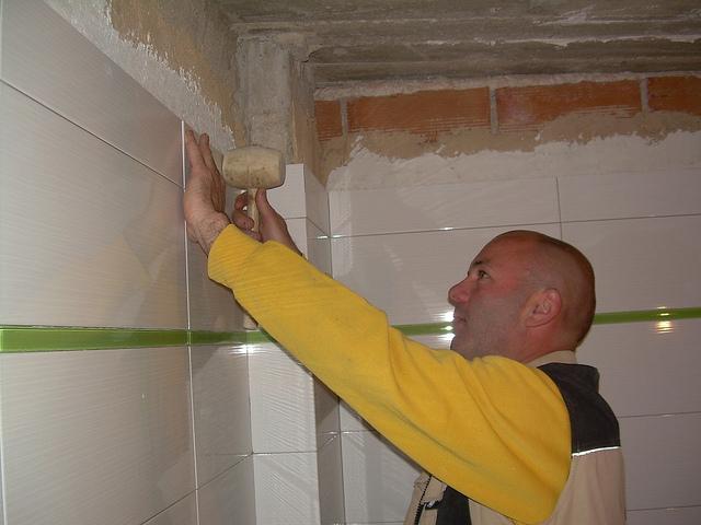Reformar una cocina descubre la mejor forma de alicatado - Quitar azulejos cocina ...