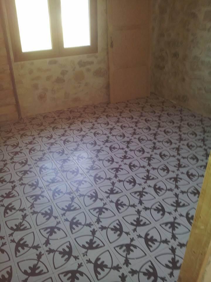 Azulejos y suelos hidr ulicos de imitaci n la gu a completa for Azulejo hidraulico bano