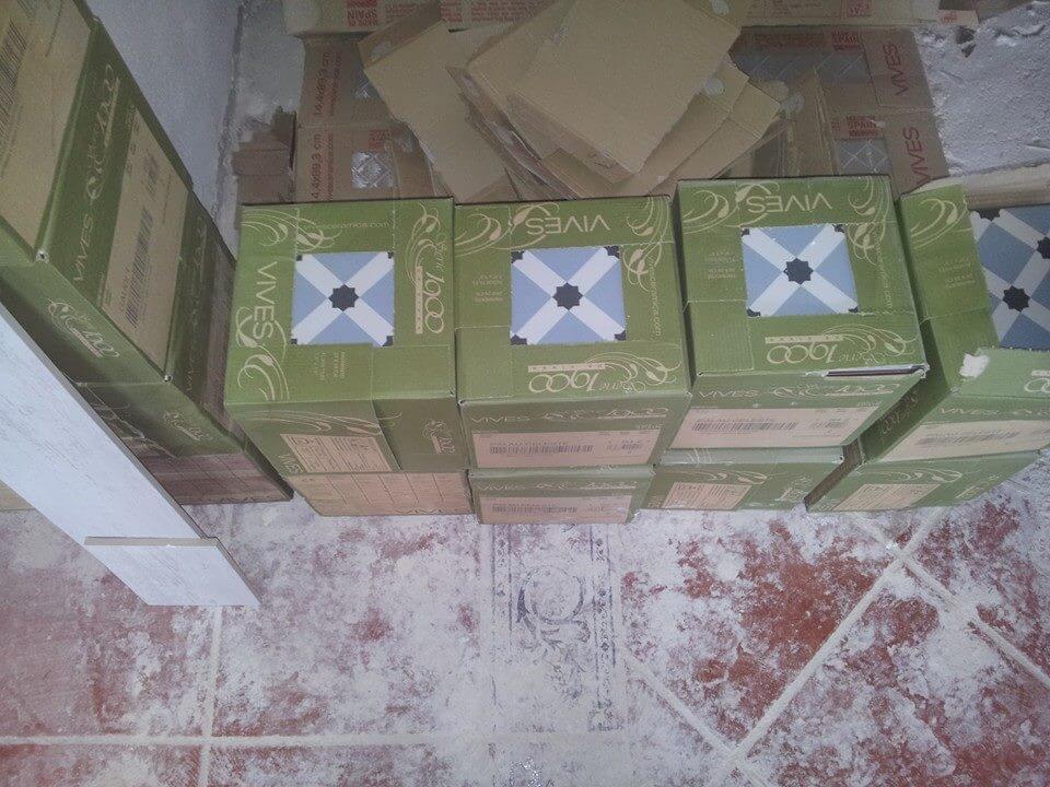 Caja Azulejos Hidraulicos de imitacion de Vives Ceramica