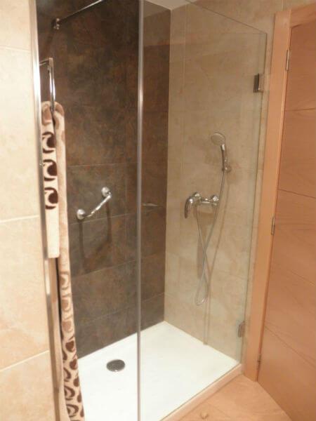 Como debe ser los tres principales elementos de las zonas de ducha - Mampara cristal ducha ...
