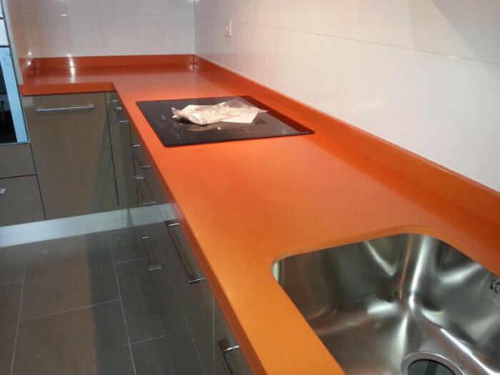 Cuanto cuesta una encimera de silestone precios y for Marmol color naranja