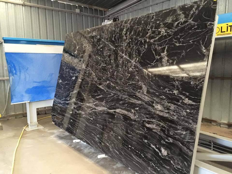 Encimeras de granito como elegir la encimera perfecta for Marmol negro precio