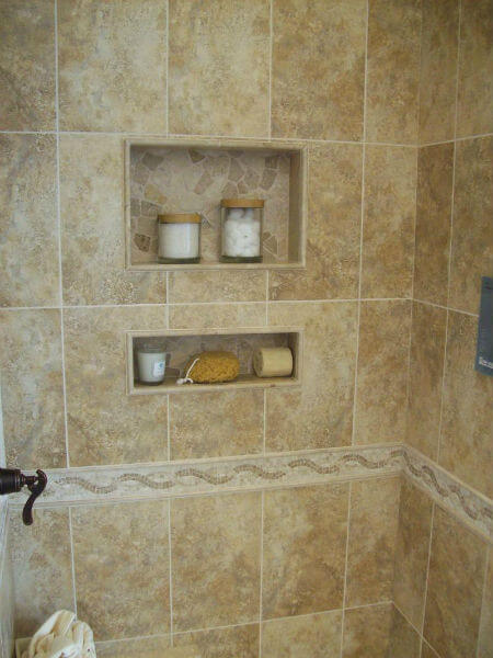 Bathroom modern bathroom tile designs with glass shelves options in - Hueco En Ducha Para Jabonero Reformas Y Cocinas Com