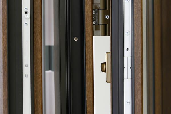 PVC imitación madera.