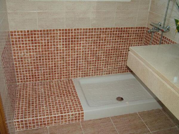 Platos de ducha 5 tipos de suelos para duchas for Plato de ducha flexible