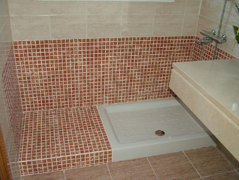 ducha realizada con plato de ceramica