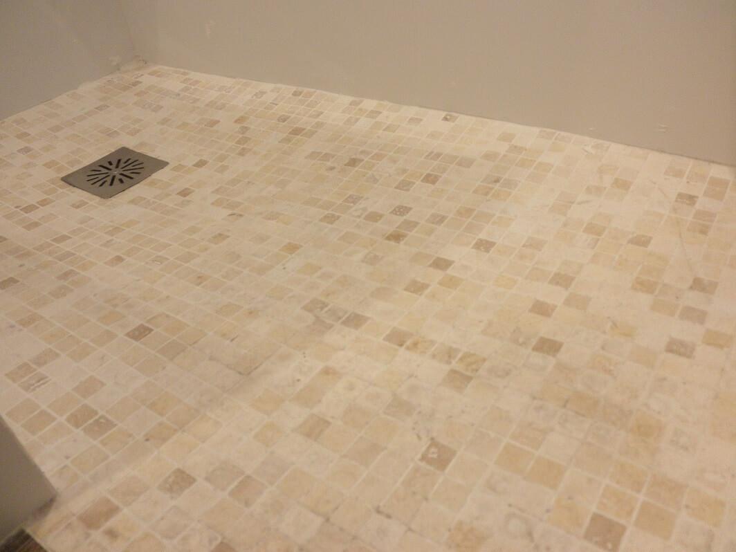 suelo de gresite para duchas