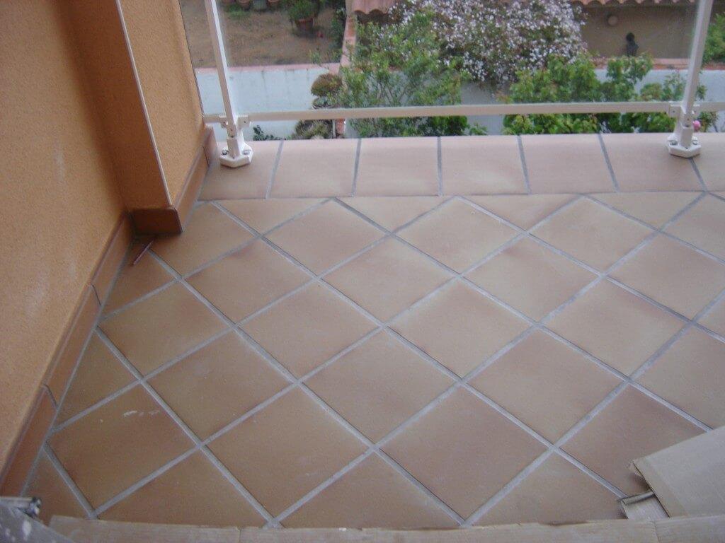 Para terrazas fabulous baldosas de cermica de gres - Suelos de gres catalogo ...