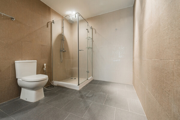 Baño reformado - Bañera por plato de ducha