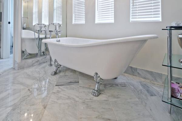 Suelo mármol para baño